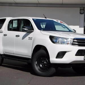 Toyota Hilux Dual Cab White Front