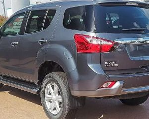 Isuzu MUX Back